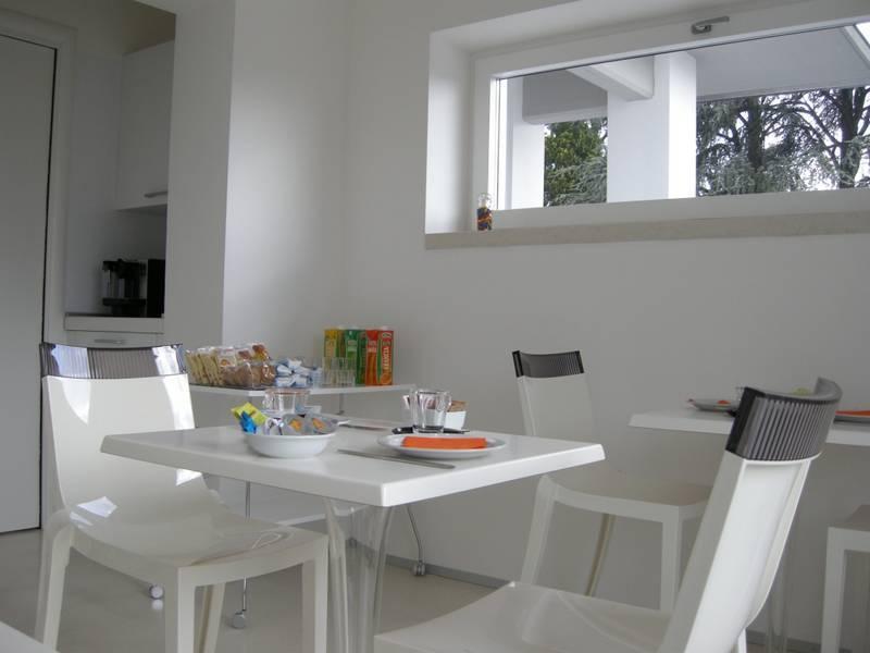 bed and breakfast la dolce vita desenzano gardasee bed breakfast la dolce vita desenzano. Black Bedroom Furniture Sets. Home Design Ideas