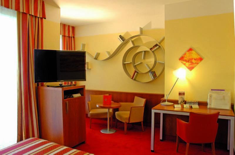 Hotel Color Hotel Style And Design Bardolino Gardasee