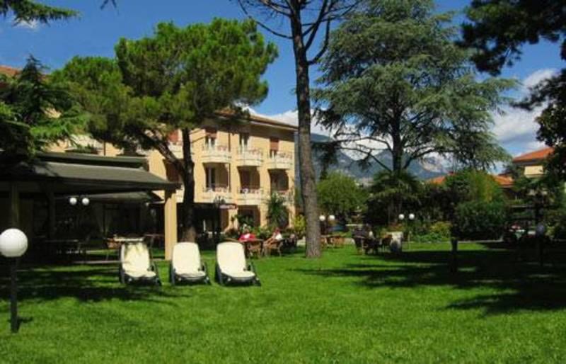 Hotel Elisabetta Torbole Nago Gardasee Hotel