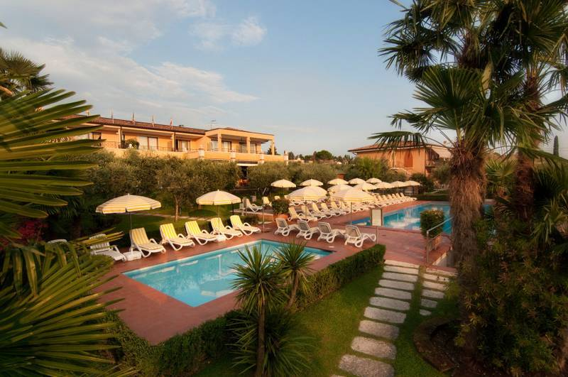 Ferienwohnung resid hotel villa olivo bardolino gardasee for Resid hotel