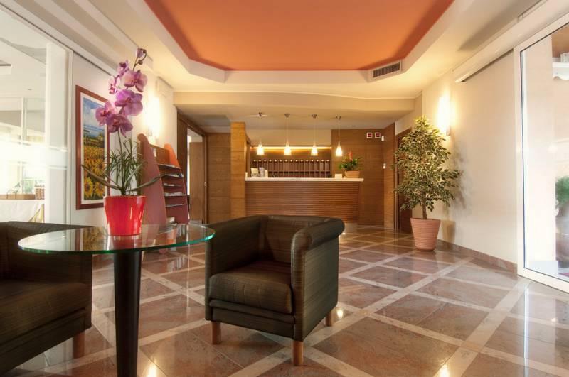 Hotel resid hotel villa olivo bardolino gardasee hotel for Resid hotel