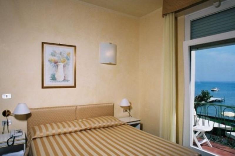 hotel europa sirmione gardasee hotel europa sirmione 3 sterne. Black Bedroom Furniture Sets. Home Design Ideas