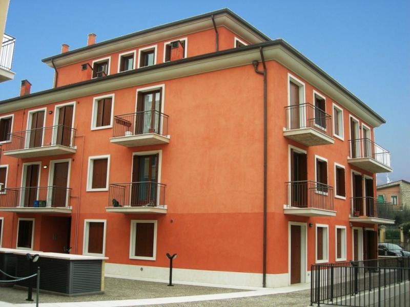 Immobili del lago di garda vendita appartamento for Bagno nei piani del garage
