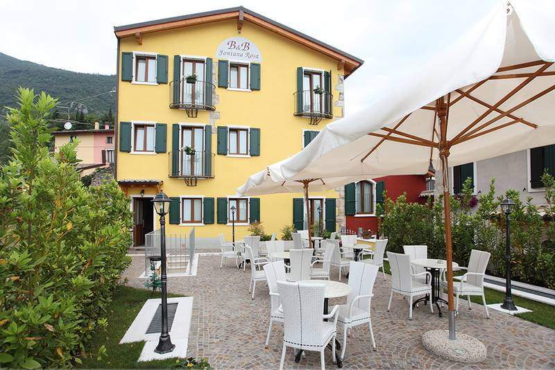 Bed and breakfast fontana rosa caprino veronese lago di for Bed and breakfast area riservata