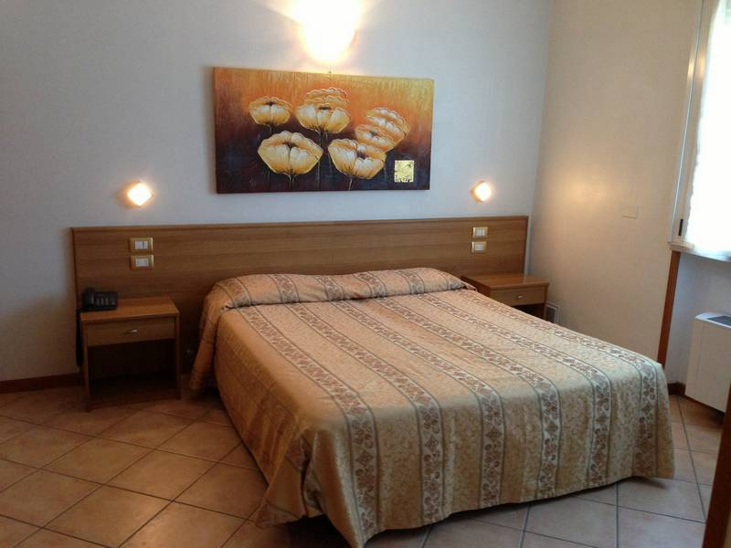 Bed and breakfast villa sara sirmione lago di garda for Bed and breakfast area riservata