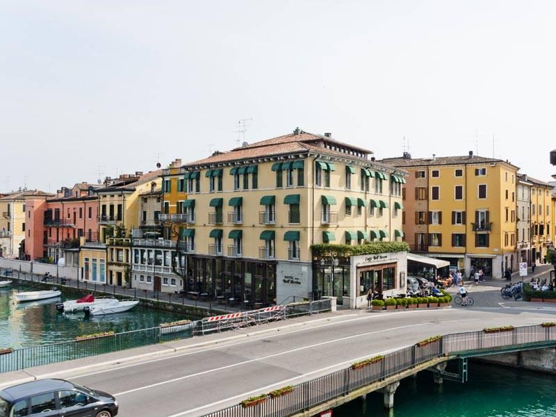 Hotel Bell Arrivo 3 Stelle Peschiera Del Garda Lago Di Garda