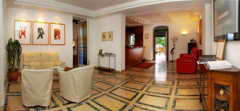 hotel bellevue san lorenzo 4 stelle malcesine lago di garda. Black Bedroom Furniture Sets. Home Design Ideas