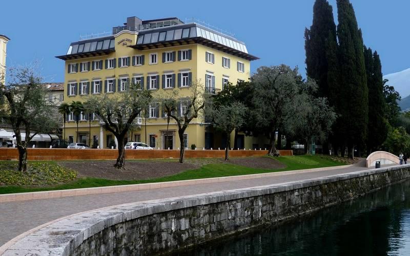Hotel grand hotel riva riva del garda lake garda hotel grand riva riva del garda 4 stars - Hotel giardino riva del garda ...