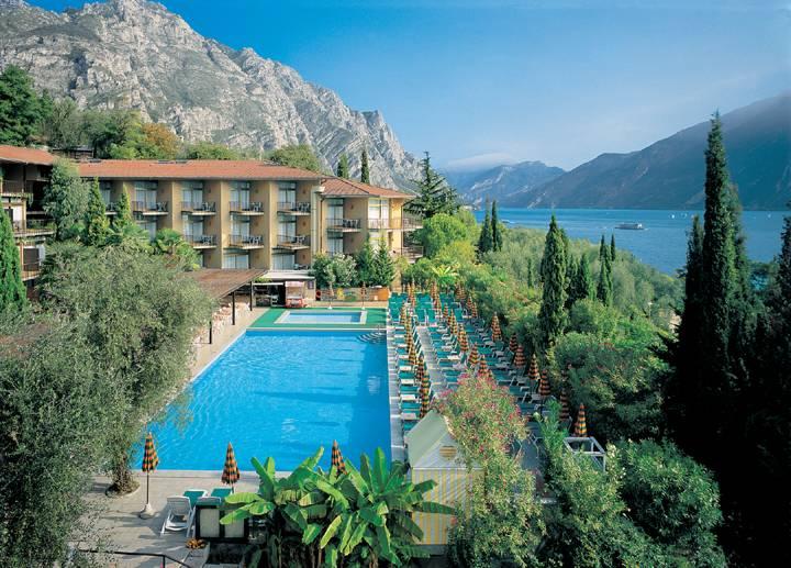Hotel leonardo da vinci 4 stelle limone lago di garda - Hotel manerba del garda con piscina ...