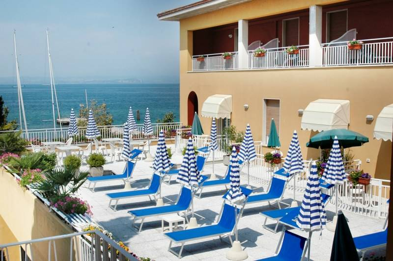 Hotel Vela D Oro 3 Stelle Bardolino Lago Di Garda