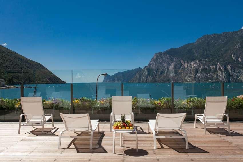 Hotel Lago Di Garda 4 Stelle Torbole Nago Lago Di Garda