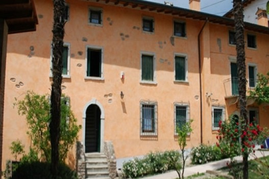 Bed and breakfast borgo calmasino bardolino lago di garda for Bed and breakfast area riservata