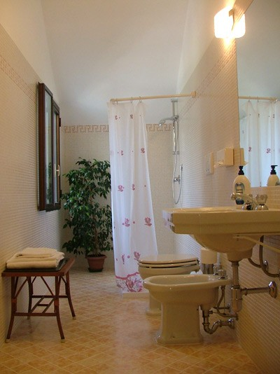 Bed and breakfast casa bettina gargnano lago di garda for Bed and breakfast area riservata