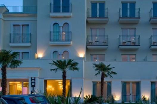 Hotel Nazionale 3 * - Desenzano